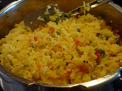 akki uppittu or rice upma in pressure cooker