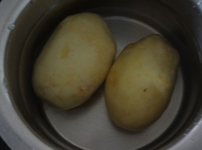 peeled potatoes for potato chips or alugadde chips