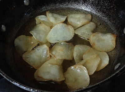 frying potato chips or alugadde chips