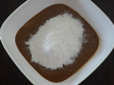 salt and rice flour for sihi appa or sweet paddu