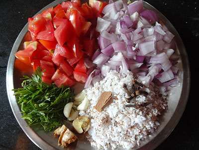 ingredients for grinding for hitikida avarekalu saaru
