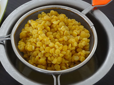 cooked dal for bele holige or bele obbattu