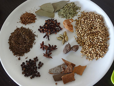 spices for biriyani masala powder