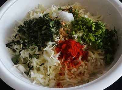 spices for cabbage pakoda or kosu vade