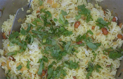 coriander leaves for chitranna or lemon rice