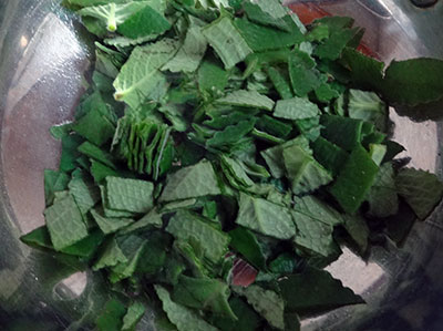 chopped leaves for doddapatre or sambarballi chutney