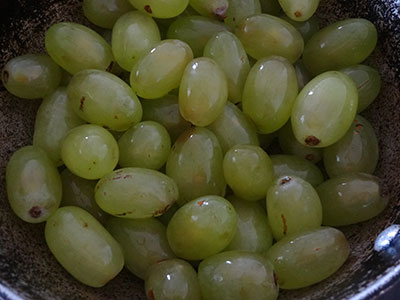 green grapes for drakshi hannina sasive or grapes curry
