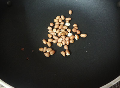 roasting peanuts for ennegayi