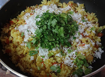 grated coconut and coriander leaves for gatti avalakki oggarane or khara avalakki