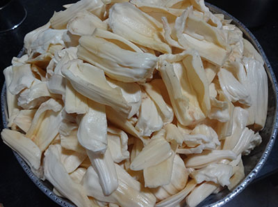 cleaned raw jack fruit for halasina kayi happala or jack fruit papad