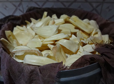 steam cooking jack fruit for halasina kayi happala or raw jack fruit papad