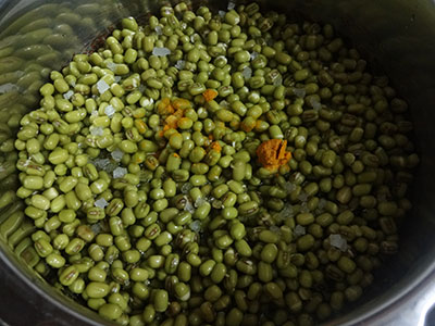 cooking green gram for hesaru kaalu gojju or mung bean curry