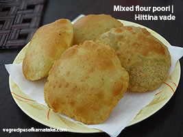 Mixed flour poori or hittina vade