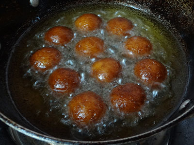Deep frying gulab jamun using ready mix