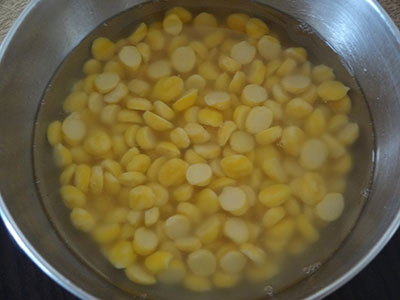 Soaking gram dal for kadlebele and southekai kosambari