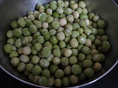 soaked peas for masala puri