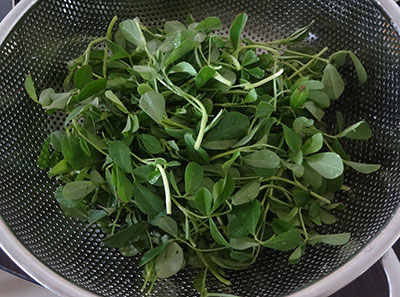 fenugreek leaves for matvadi palya or matawadi or matodi