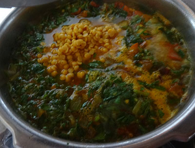 cooking menthe soppina palle or methi dal