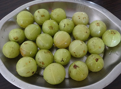 rinsed gooseberry for amla powder or nellikai pudi