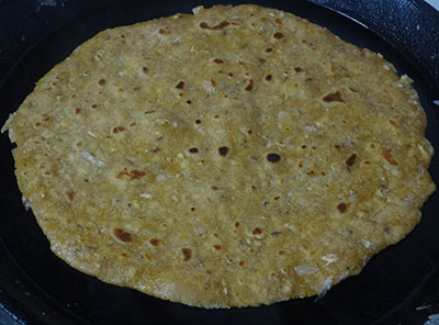 cook the radish paratha or mooli paratha