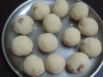 rave unde or rava laddu or suji ladoo