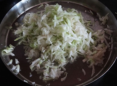 grated bottle gourd for sorekai payasa or bottle gourd kheer