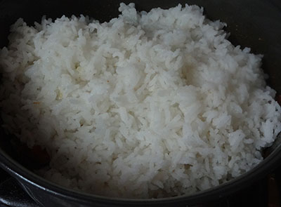 cooked rice for tomato bath or tomato rice