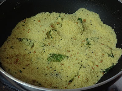 fried rava for upuma or uppittu